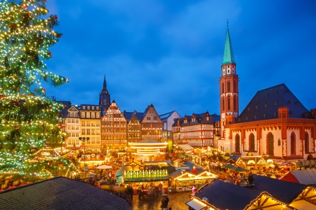 Traditional christmas market in Frankfurt, Germany 版權商用圖片 - 23460843