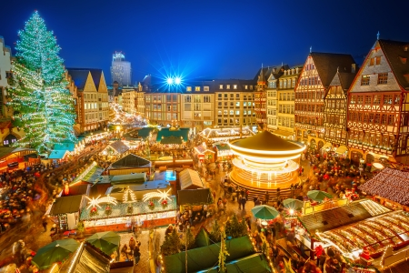 night market: Traditional christmas market in the historic center of Frankfurt, Germany Stock Photo