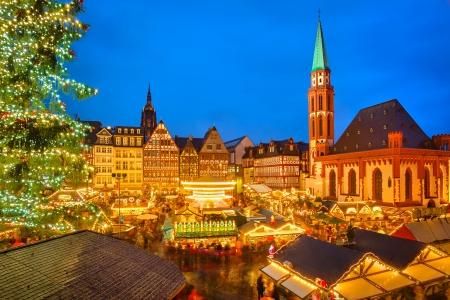 Traditioneller Weihnachtsmarkt in Frankfurt am Main, Deutschland Standard-Bild