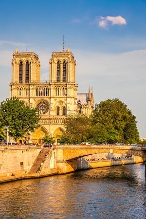 notre: Notre Dame de Paris at sunset, Paris, France