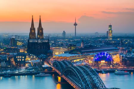 Cologne at dusk Banque d'images