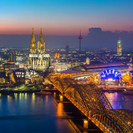 Cologne au crépuscule Banque d'images