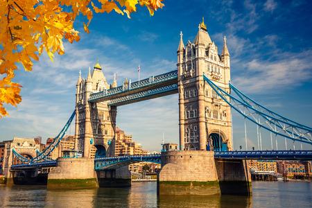 Tower bridge in London 스톡 콘텐츠