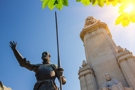 don quijote: Miguel de Cervantes monumento, Plaza de España, Madrid
