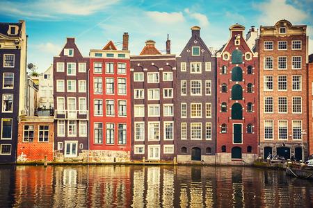 Tradiční staré budovy v Amsterdamu v Nizozemsku Reklamní fotografie