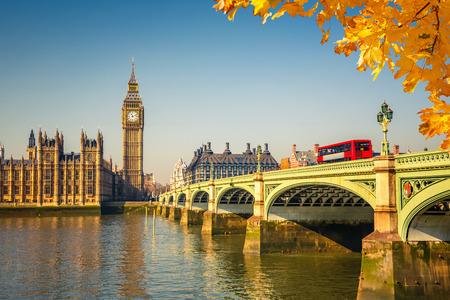 Big Ben et le pont de Westminster à Londres Banque d'images
