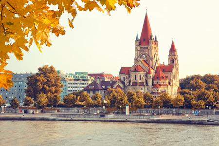 Glise Heiliger Franz d'Assise au Mexikoplatz, Vienne, Autriche Banque d'images - 46043770