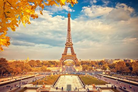 Eiffel Tower at autumn sunny evening, Paris 스톡 콘텐츠