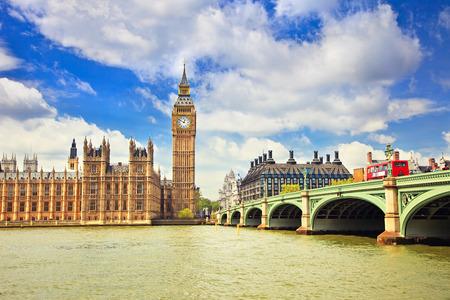 big: Big Ben y puente de Westminster en Londres Foto de archivo