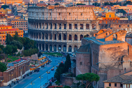 Widok na Koloseum w Rzymie, Włochy