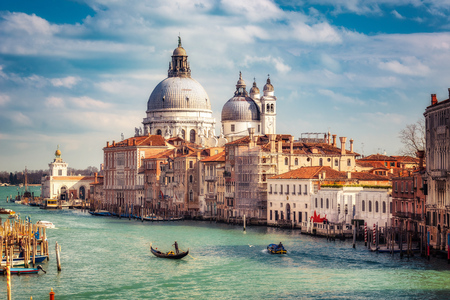 grand canal: Grand Canal and Basilica Santa Maria della Salute in Venice