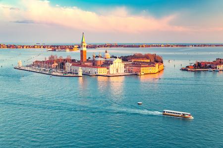 Vue aérienne sur l'île de San Giorgio Maggiore, Venise, Italie