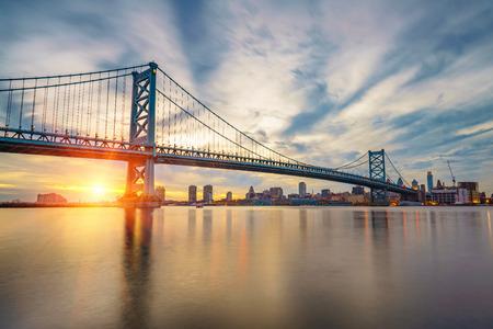 ben franklin: Ben Franklin Bridge in Philadelphia at sunset.