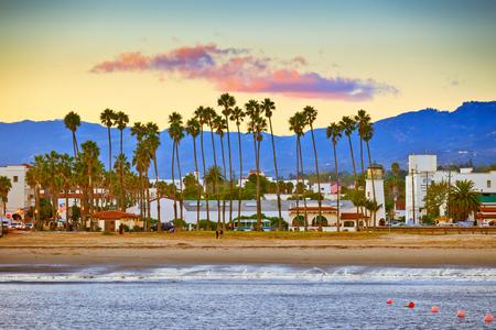Bekijk op Santa Barbara vanaf de pier Stockfoto
