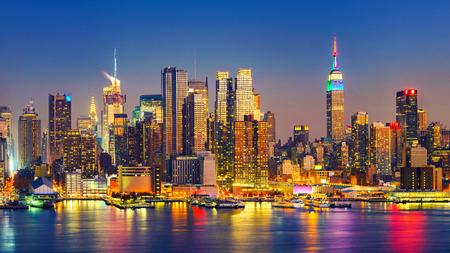 Uitzicht op Manhattan 's nachts, New York, Verenigde Staten