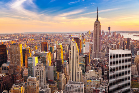 Aerial view of New York City Manhattan at sunset 스톡 콘텐츠