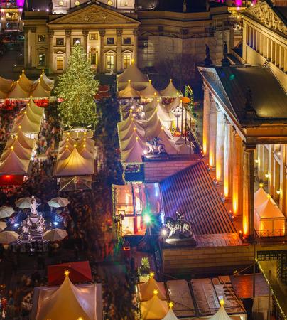 dom: Marché de Noël, Deutscher Dom et Konzerthaus à Berlin, Allemagne
