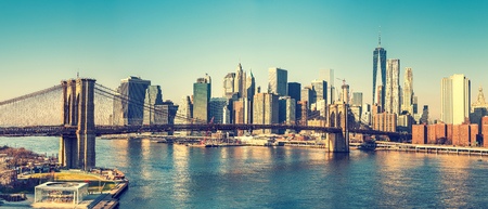 Brooklyn bridge and Manhattan at sunny day, New York City Banque d'images