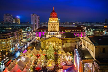 Christmas market, Deutscher Dom and konzerthaus in Berlin, Germany Reklamní fotografie - 91884996