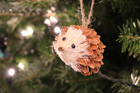 Hedgehog Christmas DecorationOrnament Hanging on Tree 版權商用圖片