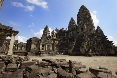 angkor wat: Interior courtyard of Angkor Wat Temple, Cambodia