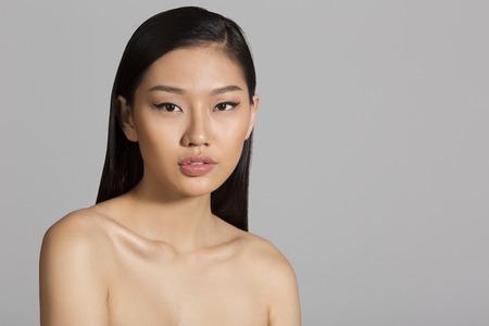 hot asian: Портрет красивой азиатской девушкой
