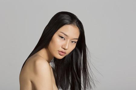 asiatique: Portrait de belle fille asiatique
