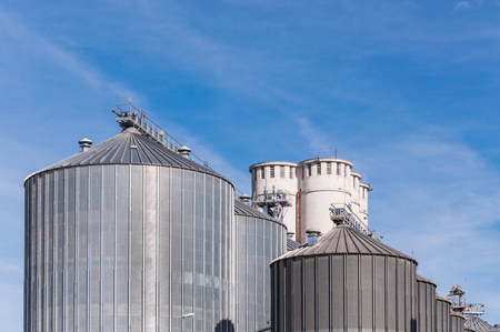 anaerobic: Storage facility cereals and production of biogas; silos and drying towers Stock Photo