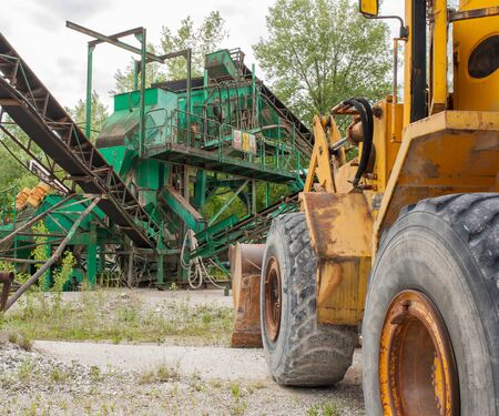 bulldozers: Machinery for the extraction of gravel and bulldozers