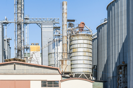 storage facility: Storage facility and drying of cereals, silos and towers drying