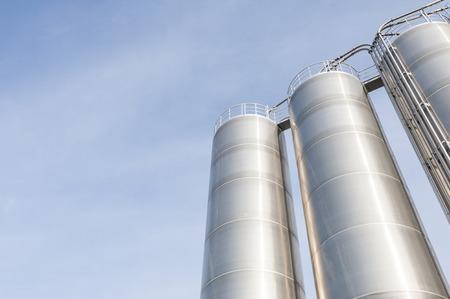 化学生産、ステンレス鋼産業サイロ 写真素材