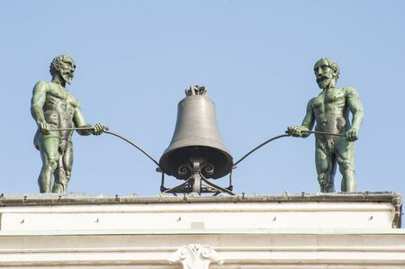 beat the clock: Bell on top of a Bell Tower played by two robots built in 15 century