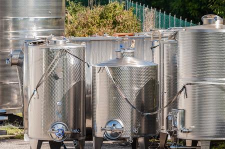aliments: réservoirs en acier inoxydable. Pour une utilisation dans les denrées alimentaires