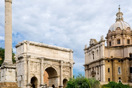 severus: Triumphal arch of the Emperor Septimius Severus and medieval church at the Roman Forum, Rome