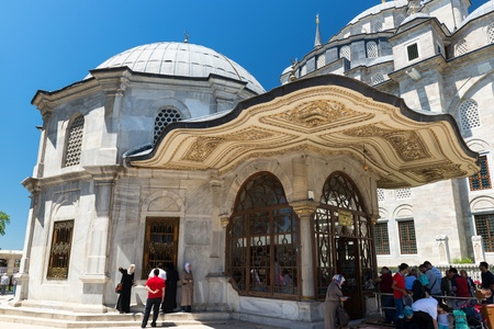 mehmed: Tomb of sultan Mehmed the Conqueror on may 26, 2013 in Istanbul, Turkey  Mehmed the Conqueror  Fatih Sultan Mehmet  captured Constantinople in 1453 and brought an end to the Byzantine Empire, transforming the Ottoman state into an empire