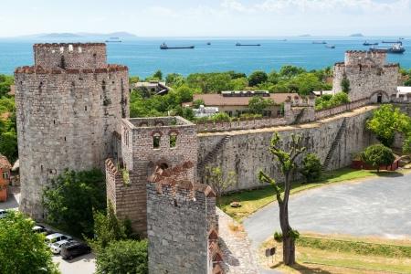 De Yedikule Vesting in Istanbul, Turkije Yedikule fort, of Kasteel van Zeven Torens, is de beroemde burcht gebouwd door Sultan Mehmed II in 1458