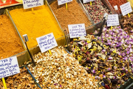kapalicarsi: Oriental spices and tea at the Grand Bazaar in Istanbul, Turkey