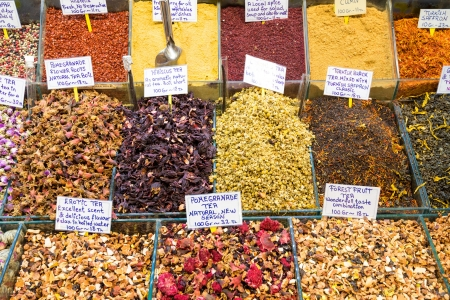 bazar: Oriental spices and tea at the Grand Bazaar in Istanbul, Turkey