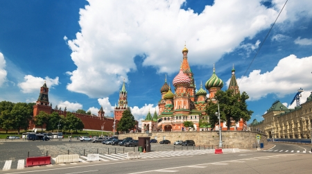 View of the Saint Basil cathedral  Pokrovsky Cathedral  and the Kremlin in Moscow, Russia Stock Photo - 21149457