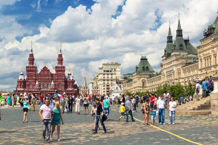 Tourists visiting the Red Square on july 13, 2013 in Moscow, Russia Stock Photo - 21154811