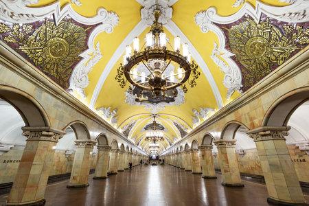 The metro station Komsomolskaya at night on May 4, 2013 in Moscow, Russia  Metro station Komsomolskaya is a great monument of the Soviet era  新闻类图片