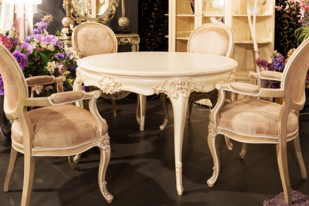 Table and chairs in a furniture store Stock Photo - 21149797