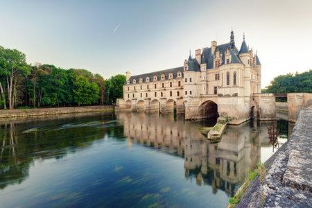 Le Château de Chenonceau, France Ce château est situé près du petit village de Chenonceaux dans la vallée de la Loire, a été construit dans les 15-16 siècles et est une attraction touristique Banque d'images - 26060719