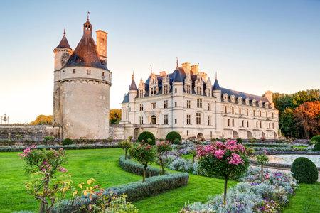 Le Château de Chenonceau, France Ce château est situé près du petit village de Chenonceaux dans la vallée de la Loire, a été construit dans les 15-16 siècles et est une attraction touristique Banque d'images - 26187230