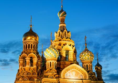 the liberator: Chiesa del Salvatore sul Sangue Versato (Cattedrale della Resurrezione di Cristo) a San Pietroburgo, Russia. Si tratta di un punto di riferimento architettonico della citt� centrale, e un monumento unico ad Alessandro II il Liberatore.