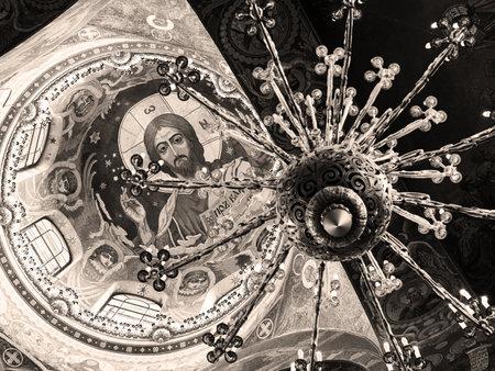 the liberator: ST PETERSBURG, RUSSIA - 13 giugno 2014: Soffitto della Chiesa del Salvatore sul Sangue Versato. Si tratta di un punto di riferimento architettonico della citt� e di un monumento unico ad Alessandro II Liberatore. Editoriali