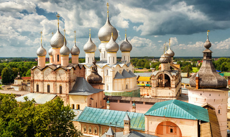 Assumption Cathedral and church of the Resurrection in Rostov Kremlin, Rostov the Great, Russia. Included in World Heritage list of UNESCO Banque d'images