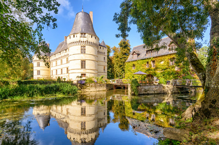 The chateau de l'Islette, France. This Renaissance castle is located in the Loire Valley, was built in the 16th century and is a tourist attraction. 免版税图像 - 38659147