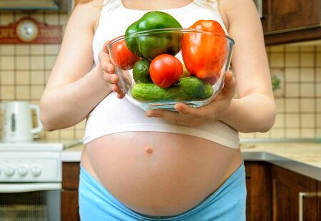Healthy eating for pregnant woman photo