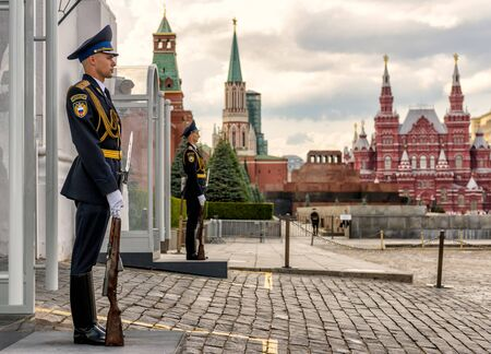 spasskaya: MOSCOW - JULY 10, 2015: Honor guard at the Spasskaya Tower at the entrance to the Kremlin on the Red Square.